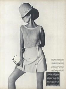 Sunnier_Penn_US_Vogue_January_15th_1965_02.thumb.jpg.49b9e9ac2de2c10d86ffac48a5da3988.jpg