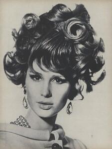 Sunnier_Penn_US_Vogue_January_15th_1965_06.thumb.jpg.6706f3eb90a655c06879c8d63d5322be.jpg
