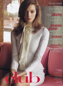 Testino_US_Vogue_April_2004_02.thumb.jpg.25f795d09a98c53c618fc7af6a5a4aa1.jpg