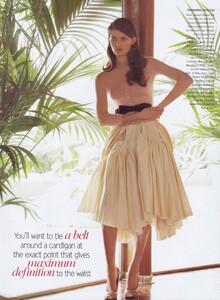 Testino_US_Vogue_April_2004_10.thumb.jpg.592ac735a6f6074800a0989251a4930c.jpg