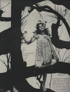 Tree_Avedon_US_Vogue_March_15th_1966_06.thumb.jpg.7451f6a8022b5173dfe5b2b56571a54a.jpg