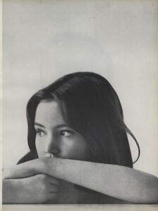 Youthquake_Penati_US_Vogue_January_1st_1965_02.thumb.jpg.bee22f2dc79361d205fcd7e6d95098b4.jpg