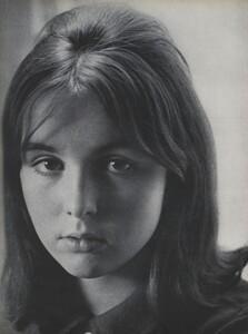 Youthquake_Penati_US_Vogue_January_1st_1965_05.thumb.jpg.558558ec65a669bc8d98215e1f54beff.jpg