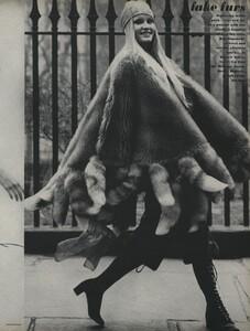 Zachariasen_US_Vogue_July_1970_08.thumb.jpg.90e9a9f8ff12d0547f83008eefc046ec.jpg