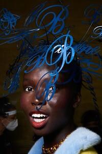 backstage-defile-blumarine-printemps-ete-2021-milan-coulisses-24.thumb.jpg.cbe5cbbb93e38b63d7d3e3830b6da9f0.jpg