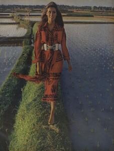 de_Rosnay_US_Vogue_December_1970_14.thumb.jpg.c6a18f38cbdbb1d155b8c1365a374c4f.jpg