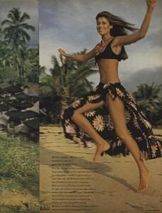 de_Rosnay_US_Vogue_December_1970_16.thumb.jpg.75c4d74e2362b09732dbce2b8ffb3d2a.jpg