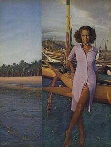 de_Rosnay_US_Vogue_December_1970_22.thumb.jpg.8ee650724cb0d7811039448fcaa52958.jpg