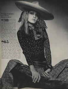 de_Villeneuve_US_Vogue_April_15th_1970_03.thumb.jpg.e50d8efea61442414ff174e49fb150f7.jpg