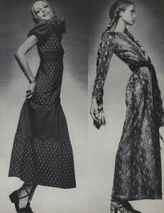 de_Villeneuve_US_Vogue_April_15th_1970_08.thumb.jpg.d92d05c6e20f96b62eee604bbf3eef2f.jpg