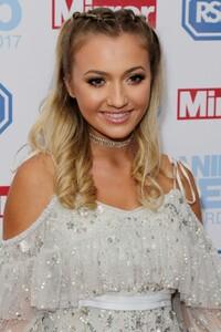 jasmine-armfield-tilly-keeper-at-rspca-animal-hero-awards-grosvenor-house-london_3.jpg