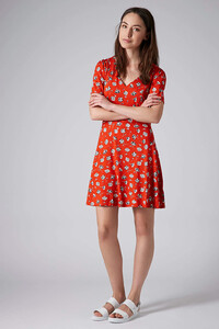 topshop-red-tall-pansy-floral-dress-product-1-19242405-1-917295671-normal.jpeg
