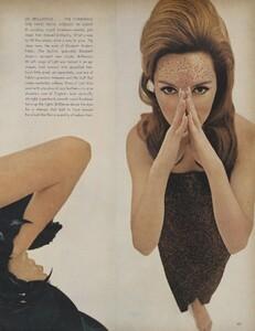 Beauty_US_Vogue_October_1st_1965_04.thumb.jpg.1ab8ac598e42b719fc551132c952dcdc.jpg