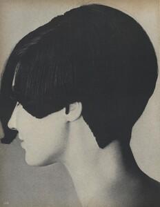 Beauty_US_Vogue_October_1st_1965_07.thumb.jpg.2d5c076e744e7ee7cefc75f4edcc6ca6.jpg