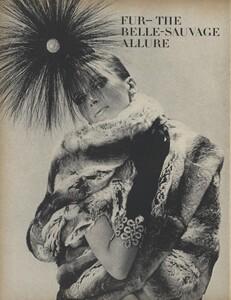 Belle_Newton_US_Vogue_October_1st_1965_01.thumb.jpg.985d8b945887a49114faa5dedb3d63bb.jpg