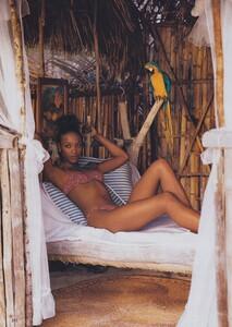 Bikini_Ritts_US_Vogue_May_1996_03.thumb.jpg.1f10d79971161e7150599779d77d5b3c.jpg