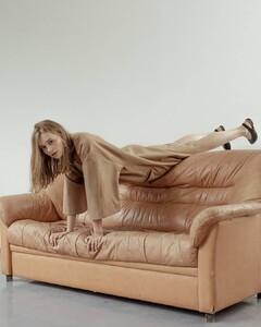 Carina-Blow-Models4.jpg