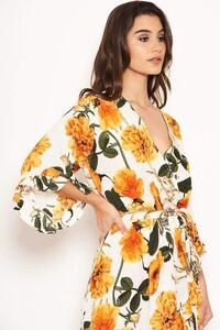 Cream-Floral-Frill-Wrap-Dress-5_d027e1b4-d85e-4f70-919c-23f18e0d0e01_800x.jpg