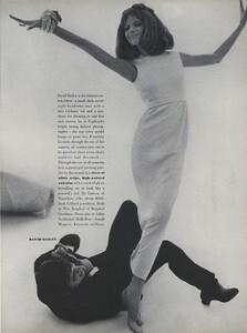 Fashion_Stern_US_Vogue_March_1st_1965_04.thumb.jpg.aca9f7fc123e0391806c59bd4ad410dd.jpg