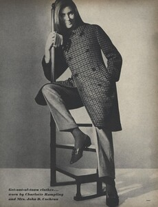 Get_Out_US_Vogue_October_15th_1965_04.thumb.jpg.2ccbe43ad3f81196aadc8cfd1d8eab18.jpg