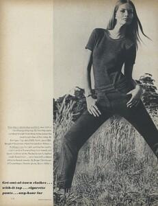 Get_Out_US_Vogue_October_15th_1965_05.thumb.jpg.27abbe69b9cd44cc71390a703b5fdda0.jpg