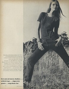 Get_Out_US_Vogue_October_15th_1965_05.thumb.jpg.a0502a408fe59be6b95c801c57415f07.jpg