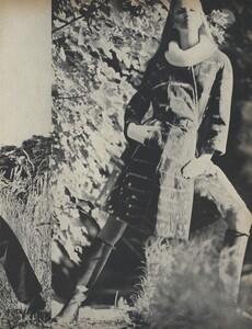 Get_Out_US_Vogue_October_15th_1965_06.thumb.jpg.9952cec5268ece7a8d5abcd9564fdf15.jpg
