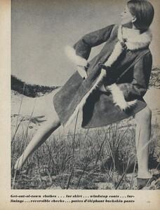 Get_Out_US_Vogue_October_15th_1965_10.thumb.jpg.3dd46b9110b9a1bff4774c45ece14762.jpg
