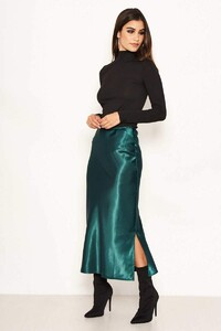 Green-Satin-Midi-Skirt-5_6a440a30-5eb2-476c-9396-b70e4079d538_800x.jpg