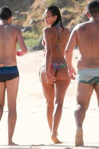 Izabel-Goulart-and-Bruna-Marquezine-Sexy-1-The-Fappening-Blog.jpg