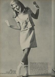 Klein_Clarke_US_Vogue_March_15th_1965_03.thumb.jpg.a97b83e60e0fe406dc76a6dc8af8745d.jpg