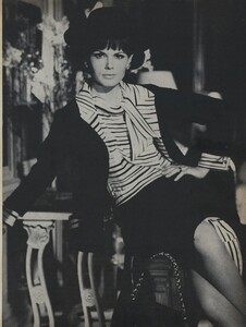 Klein_Clarke_US_Vogue_March_15th_1965_06.thumb.jpg.0ba15b239196f3b7d79c40f8b0971f3e.jpg