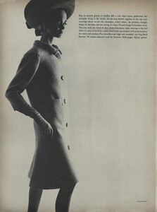 Klein_Clarke_US_Vogue_March_15th_1965_09.thumb.jpg.19db1db2f72be24f0c734484bf4334cf.jpg