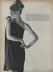 Klein_Clarke_US_Vogue_March_15th_1965_15.thumb.jpg.e74b969e1bd9156d1c9d691530a1d3dd.jpg