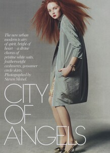 Meisel_US_Vogue_May_2004_01.thumb.jpg.d332556cae5a092b610d433171a3f900.jpg