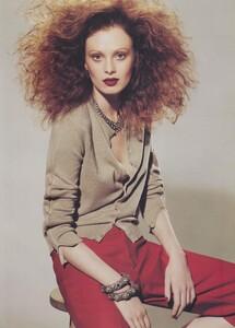 Meisel_US_Vogue_May_2004_06.thumb.jpg.bc68c0aff85cb007b5a7342589545bb3.jpg