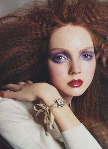 Meisel_US_Vogue_May_2004_09.thumb.jpg.afe4550302d83fecf51545b4fa786690.jpg