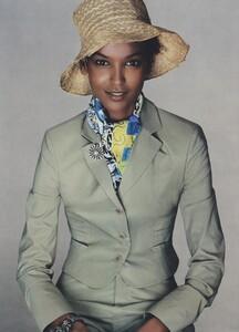 Meisel_US_Vogue_May_2004_11.thumb.jpg.aa58b6c70e1b9a3a15b0ab607b016683.jpg