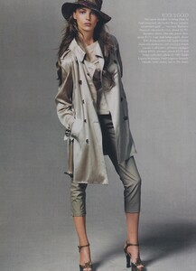 Meisel_US_Vogue_May_2004_13.thumb.jpg.46ed068ddfc0ce64c199a16dabcd1b8f.jpg