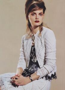 Meisel_US_Vogue_May_2004_15.thumb.jpg.d319d60a0c744df6513aa3b55ee27f99.jpg