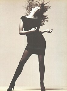 Spare_Meisel_US_Vogue_February_1987_04.thumb.jpg.bd33e1116e371772e9946968c37dac4f.jpg
