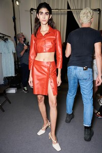 backstage-defile-drome-printemps-ete-2021-milan-coulisses-42.thumb.jpg.6b1d2d91bee18eb67b2bdc708163c36c.jpg
