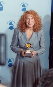 bette-midler-young-1748407051.jpg