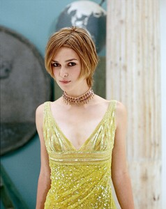 keira-knightley-megapost-1000-pictures-incl-rarfiles-302.jpg