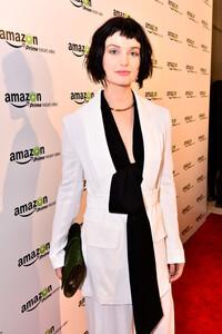Alison+Sudol+Transparent+Golden+Globes+Viewing+aBcnmZRmPW0l.jpg