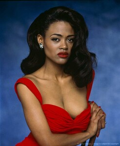 Robin Givens - lowcut red dress.jpg