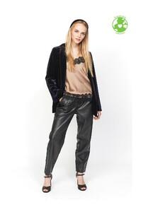 pantalon-cuir-vegan-aria (2) lola alcaluzac.jpg