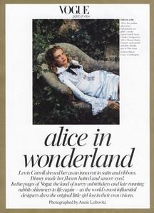 Alice_Leibovitz_US_Vogue_December_2003_01.thumb.jpg.2fffe81c0ef0121fa4655ed30d008310.jpg