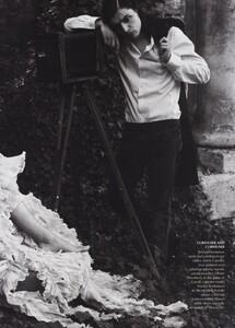 Alice_Leibovitz_US_Vogue_December_2003_05.thumb.jpg.a3b37256240f6972725d3ac852c2371c.jpg