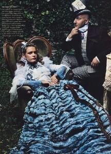 Alice_Leibovitz_US_Vogue_December_2003_18.thumb.jpg.4f73ee19541760ac25cba23ce2e8f8a5.jpg